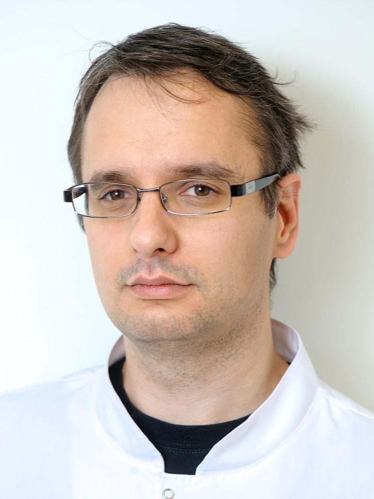 dr Tomasz Milewski